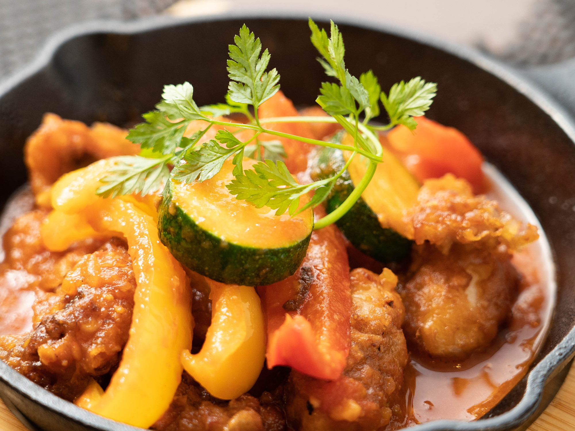 季節野菜と揚げだこのアラビアータ